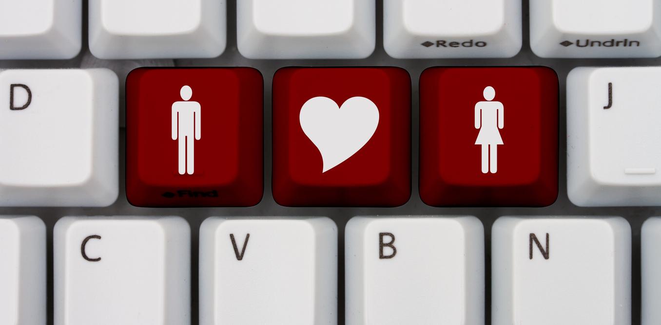 Cum să flirtezi o fată prin mesaje: 11 pași