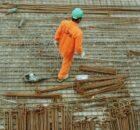 sunt-angajatorii-obligati-sa-ofere-echipament-de-protectie